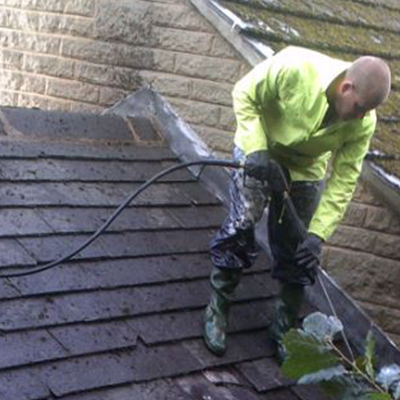 The-Pros-&-Cons-of-DIY-Roof-Work