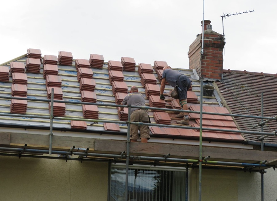 Installing-New-Roof-in-Pontefract